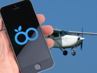 Ženě vypadl iPhone z okna letadla, pád přežil bez větší újmy