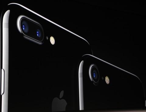 Apple představil iPhone 7 Plus: Vůdce mezi smartphony