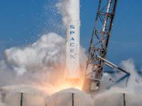 Elon Musk zveřejnil video z továrny, kde se rodí rakety Falcon