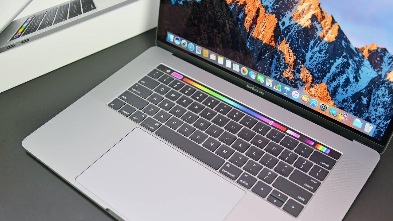 Nejkvalitnější notebooky vyrábí Apple a Samsung. Nejhůře dopadl Microsoft Surface