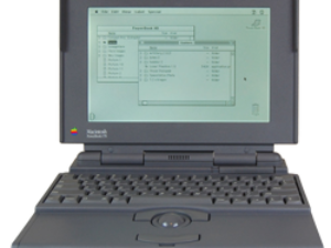 1991 – Macintosh PowerBook 170