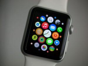 Čínská armáda odmítá používat hodinky Apple Watch pro jejich slabé zabezpečení