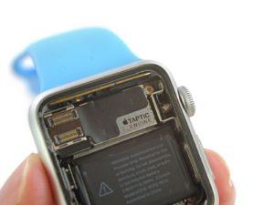 Výroba Apple Watch vychází údajně na 85 dolarů