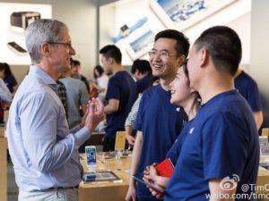 Čínská policie zavřela továrnu, která stihla padělat 41 000 iPhonů