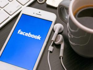 Facebook sdílel osobní data s čínskými výrobci smartphonů. O ohrožení bezpečnosti podle něj nešlo