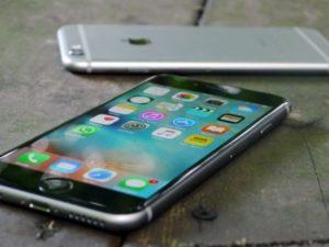 Potvrzeno: stará baterie v iPhonu snižuje výkon procesoru
