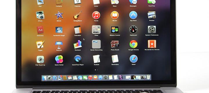 Proč a jak bezpečně vyjmout z Macu připojené disky a paměťové karty