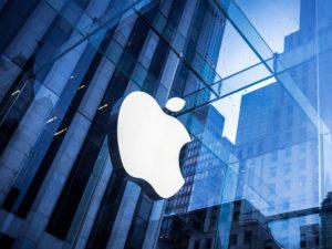 Prodeje iPhonů na Západě rostou, celkové statistiky ale kazí Východ