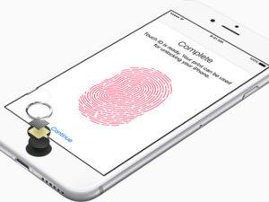 iOS pořídí fotografii i otisk prstů zloděje vašeho iPhonu