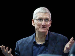Tim Cook naznačil, že Apple Pencil bude kompatibilní s iPhonem