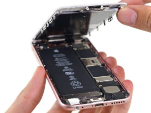 """Ming-Chi Kuo: iPhone 8 dostane o poznání větší baterii. Výdrž se přiblíží """"pluskovým"""" modelům"""