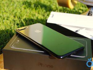 První dojmy z iPhone 7 Plus Jet Black: Temný rytíř ve známém hávu
