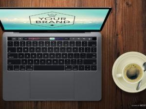 Apple ještě letos představí vylepšený MacBook Pro