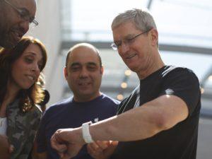 Tim Cook prozradil, jak mu Siri pomáhá při jeho každodenní rutině