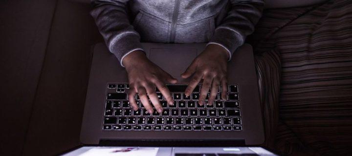 Uživatelé odhalili vážný problém v macOS High Sierra. Plný přístup k Macbooku může získat prakticky kdokoliv