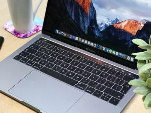 MacBooky Pro mají problém s nafukujícími se bateriemi. Apple nabízí jejich bezplatnou výměnu