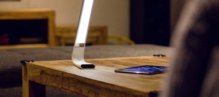 LED lampa Lamax Gentilight Touch: Dokonalý zdroj světla pro čtení