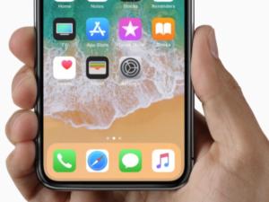 Dodavatelé mají problém s produkcí komponent pro iPhone X. O první kusy bude boj