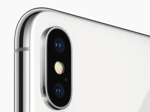 Fotoaparát iPhonu X: Brána pro rozšířenou realitu i prostor pro legrácky