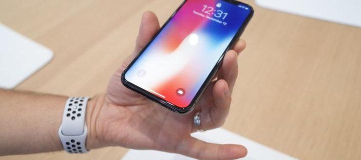 """Apple chystá nástupce iPhonu X s 6,5"""" OLED displejem a podporou dvou SIM karet"""