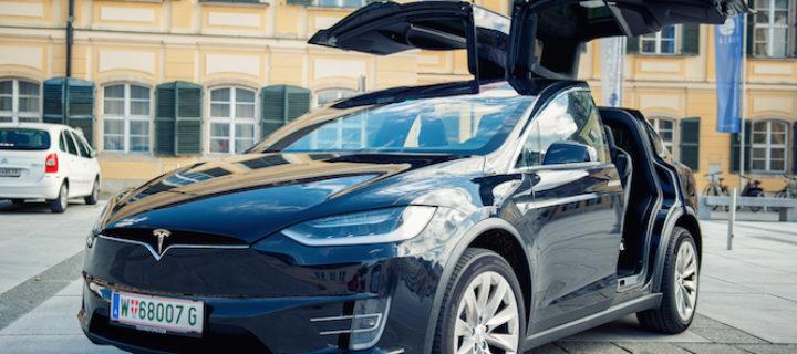 Provětrali jsme Tesla Model X 100D. První SUV, co vám dá křídla