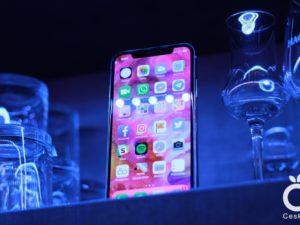 Všechny iPhony dostanou příští rok Face ID. LCD displeje do důchodu ještě nepůjdou