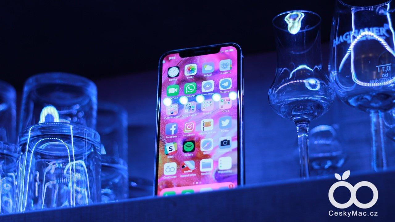 Recenze iPhone X: takhle chutná jablečná budoucnost