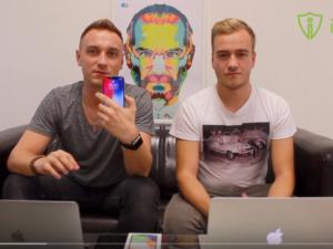 iPhone X očima geeků: prudce návykové ovoce