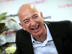 Nejbohatší v dějinách. Jmění Jeffa Bezose se přehouplo přes 100 miliard dolarů