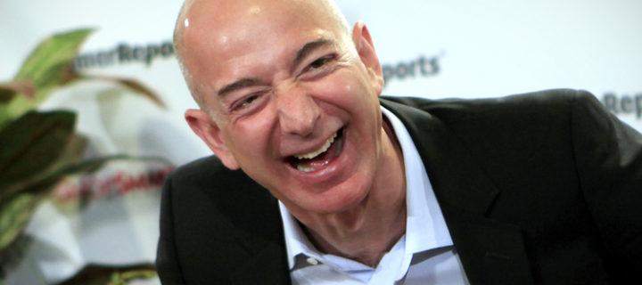 Apple nebo Amazon? Oba titáni mají nakročeno k titulu společnosti s bilionovou hodnotou