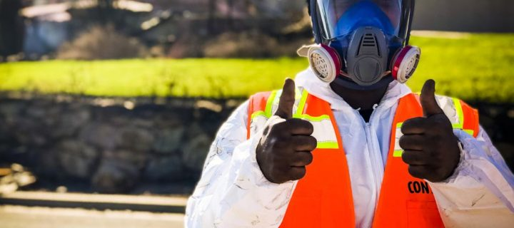 Reportér netradičně otestoval foťák iPhonu X. Nafotil vesnici zpustošenou požárem