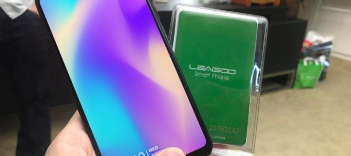 """V Číně se začne prodávat """"iPhone X"""" za třetinovou cenu. Má to ovšem jeden háček"""