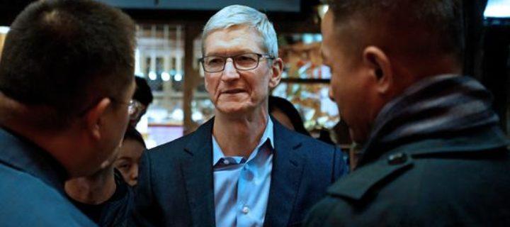 Apple jako modla i kat všech dodavatelů. Kdo stojí za výrobou komponentů pro iPhone X?