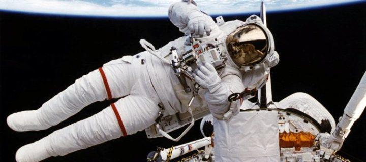 NASA vyvíjí nový skafandr, co dokáže zachránit život