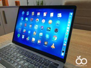 Na dotykový MacBook zapomeňte. Podle Applu je přeměna notebooku v iPhone nesmyslná