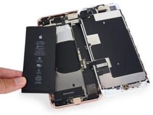 Náš zákazník, náš pán: Apple v příští aktualizaci iOS umožní ovládat výkon iPhonu