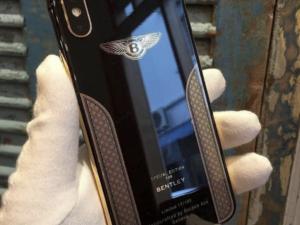 Chcete něco extra? Tento iPhone X Bentley Edition je pouze pro nechutně bohaté