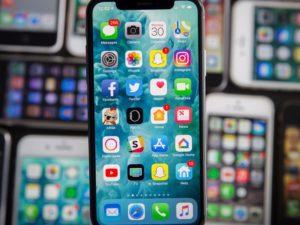 Veřejnost se nejvíce těší na nové iPhony. Samsung pokulhává