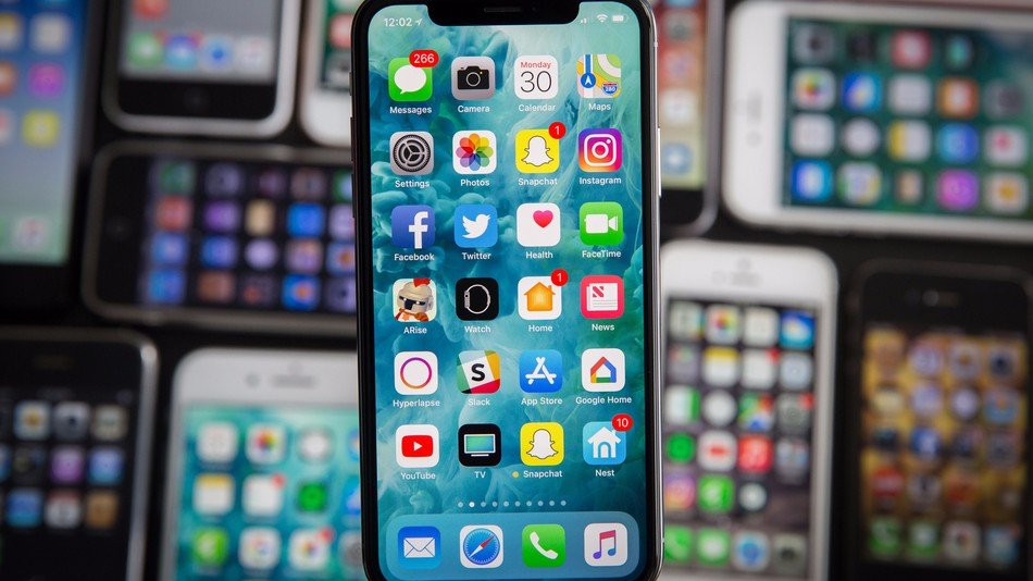Nástupce iPhonu X dostane čtečku otisků vdispleji a vylepšené Face ID. Má to ovšem jeden háček