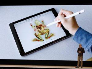 Konec pitvání živých žab. Apple představil vzdělávací aplikace na bázi virtuální reality