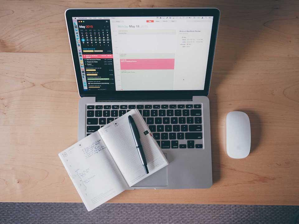 Návod: jak v aplikaci Kalendář na Macu zobrazit seznam všech událostí