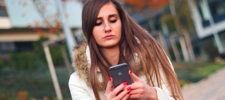 iPhone je stále modla mladých. Vlastní jej 4 z 5 amerických teenagerů
