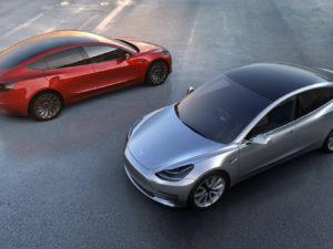 Elon Musk přiznal, že výrobu Tesla Model 3 zpomaluje pokročilá robotizace