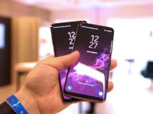 Samsung se zbláznil. V reklamě srovnává svůj nejlepší telefon se čtyři roky starým iPhonem