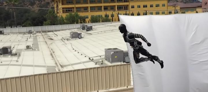 Studio Disney ukázalo robota, který může v budoucnu nahradit lidské kaskadéry
