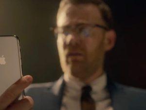 Apple v humorné reklamě ukazuje, v čem tkví hlavní výhody Face ID
