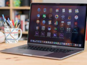 Nejvýkonnější MacBook Pro 2018 je pomalejší než loňský model