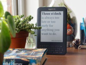 Nápad roku? uživatel přišel na způsob, jak vysloužilé čtečce knih vdechnout nový život