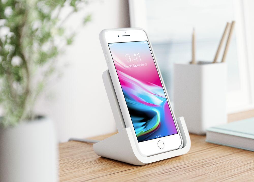 Logitech POWERED: stylový stojánek pro iPhone s bezdrátovým nabíjením