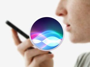 Jak na iPhonu používat funkci baterky s pomocí hlasové asistentky Siri